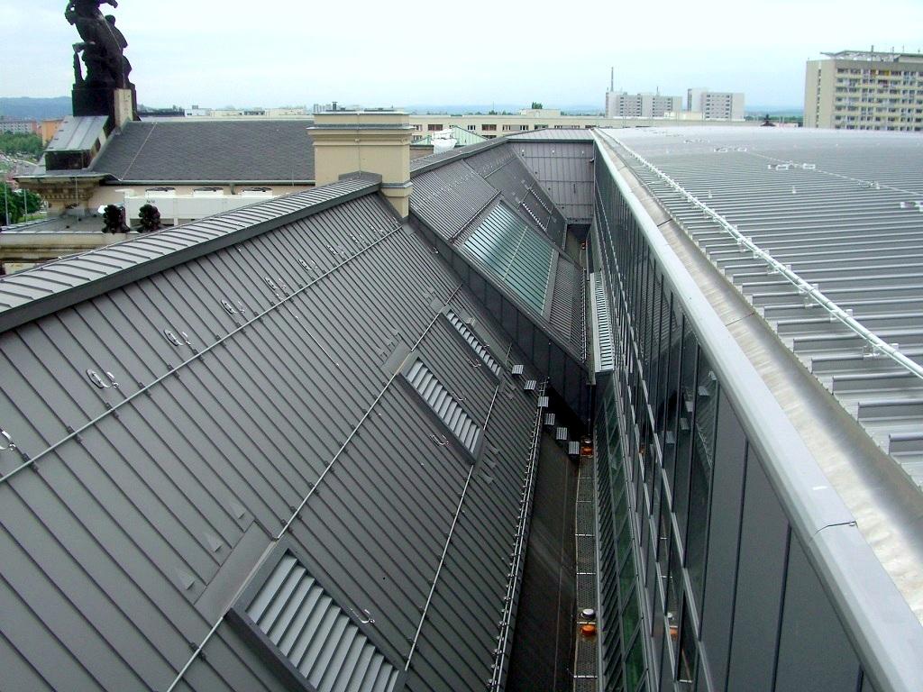 Meisterdach online Stehfalzdeckung Aluminium farbbeschichtet Albertinum Dresden